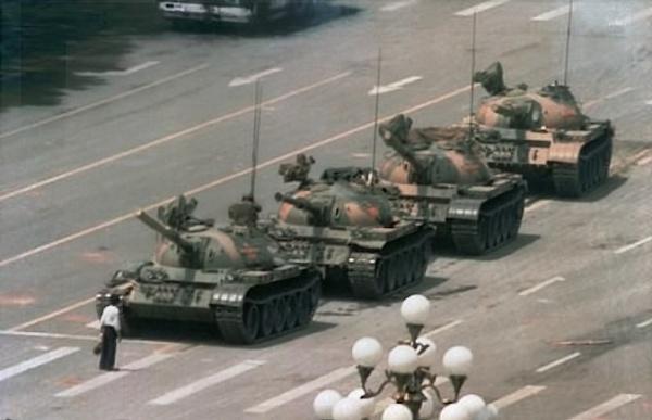 Tianasquare-tank-man